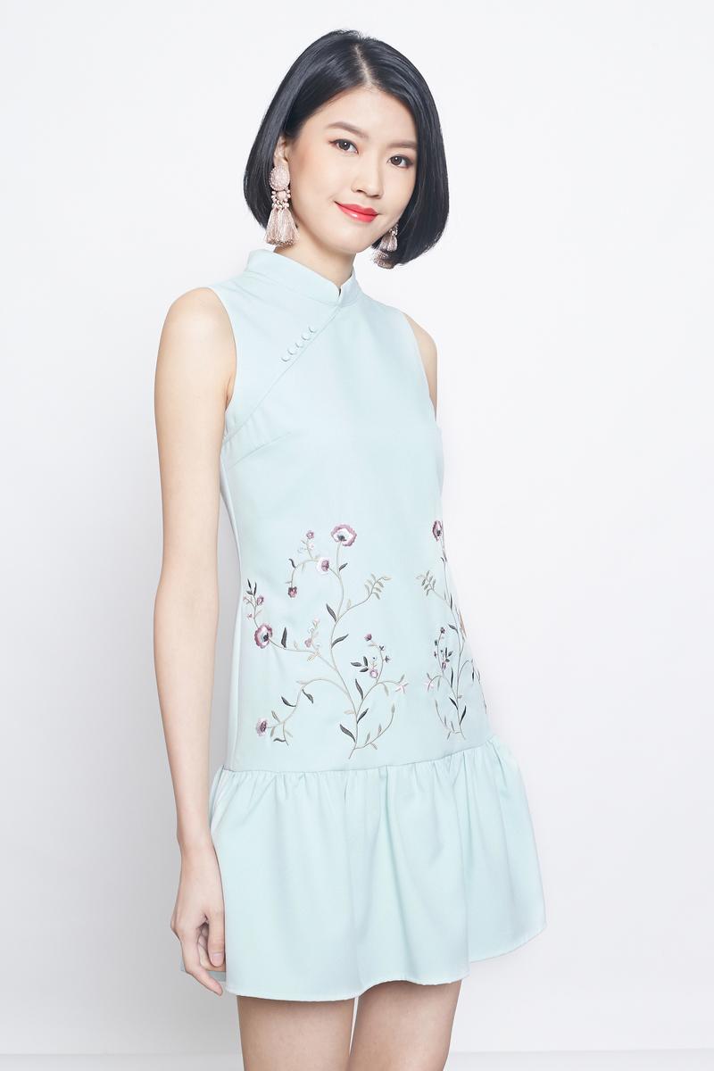 embroidered dropwaist cheongsam in mint