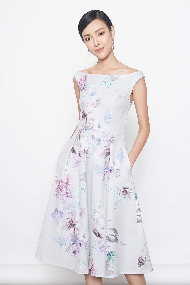 offshoulder floral prints midi dress in pale blue grey