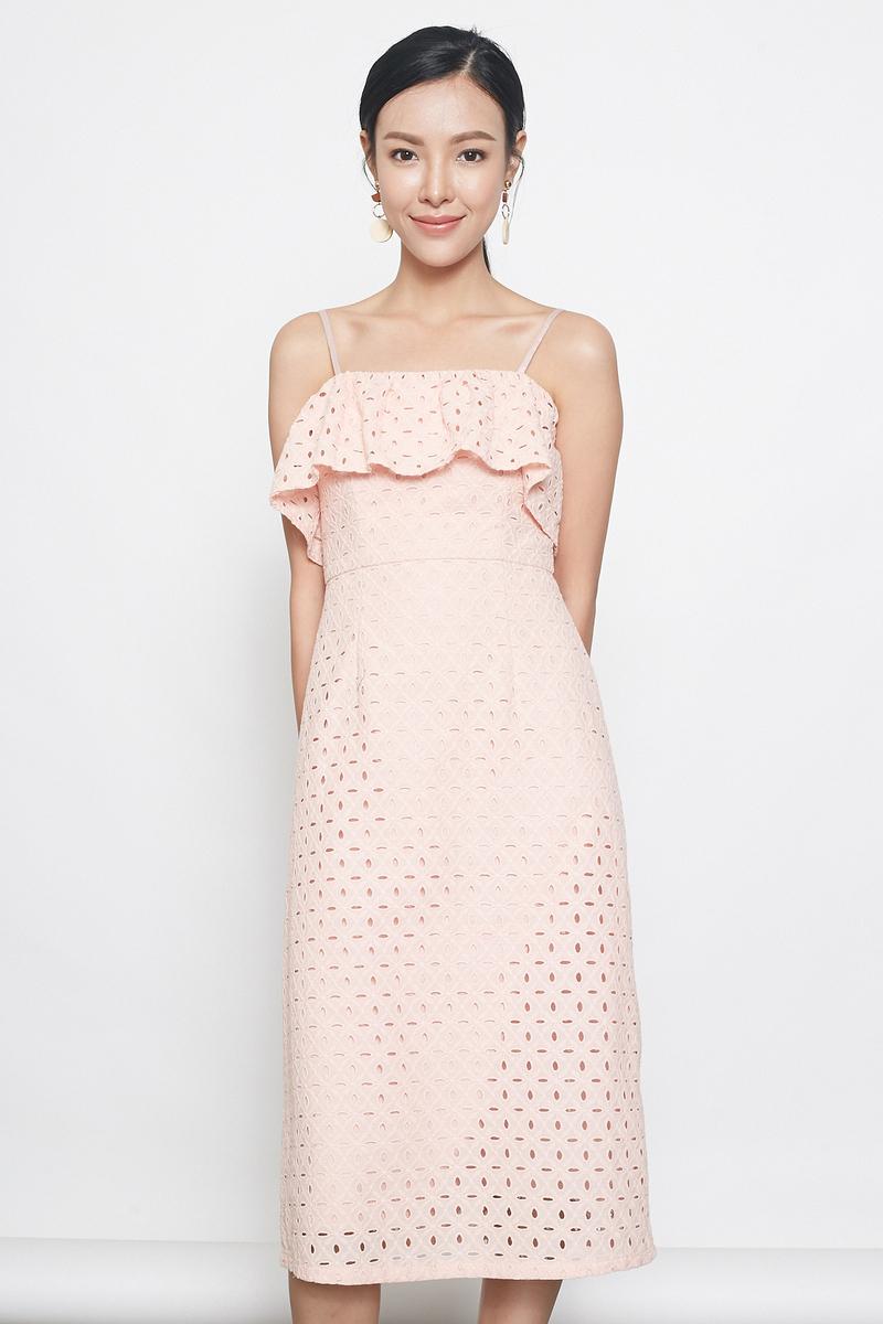 eyelet spag midi dress in peach