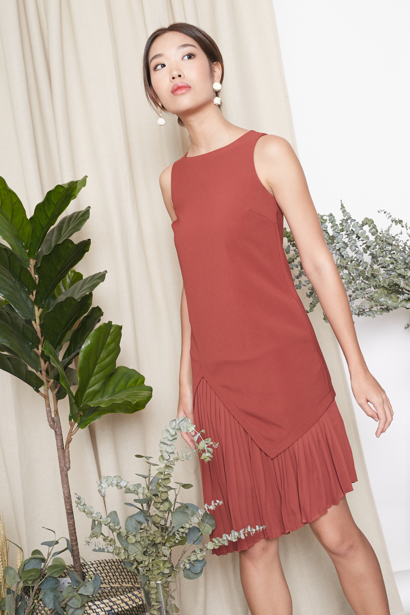 PLEATED ASYMMETRIC TUNIC DRESS