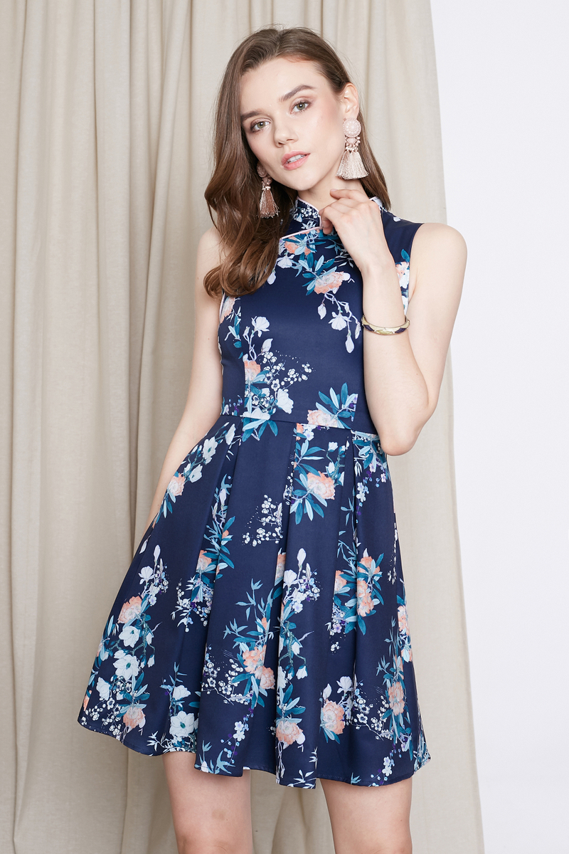 4b3acb7582e *INTQ LABEL* QIN LAN FLORAL PRINTED CHEONGSAM IN NAVY | Intoxiquette