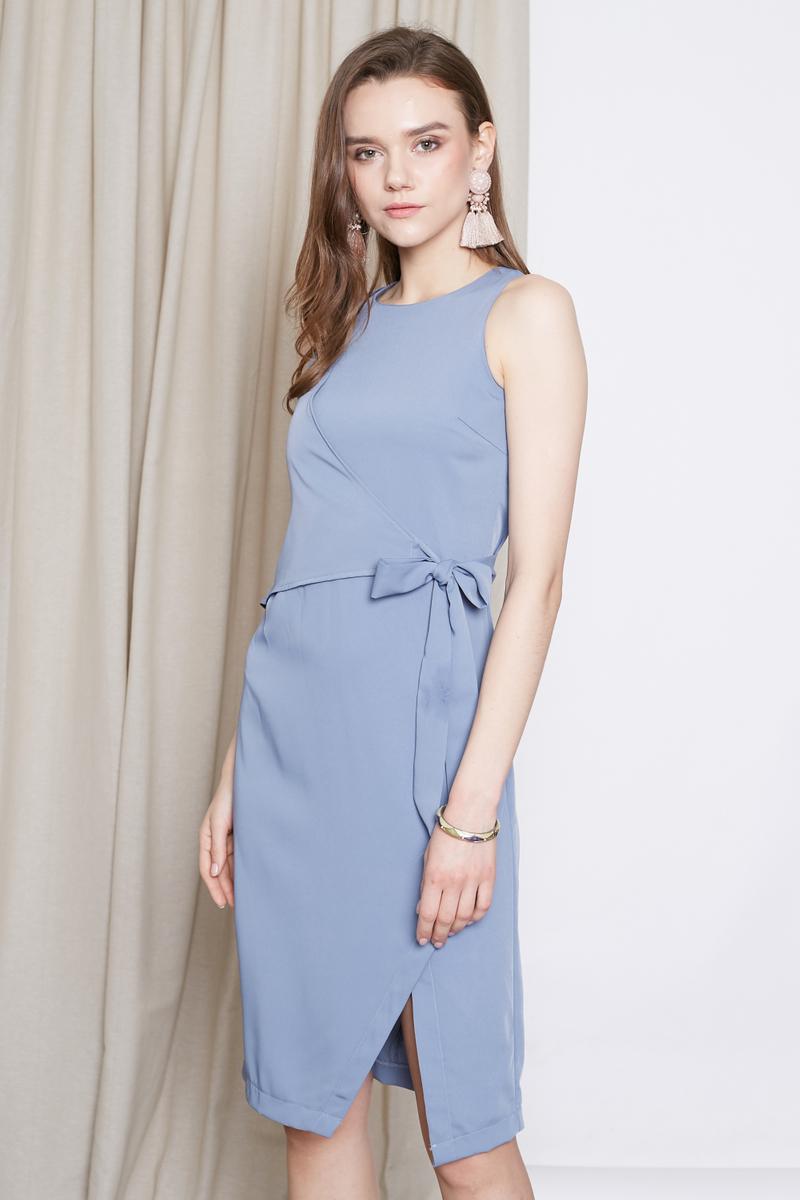d5e8a2444a5 *INTQ LABEL* ELLE TIEWAIST DRESS IN GREYISH BLUE | Intoxiquette
